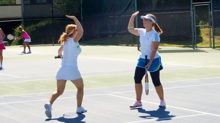 Dạy Tennis cho phụ nữ