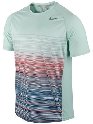 Ao tennis Nam